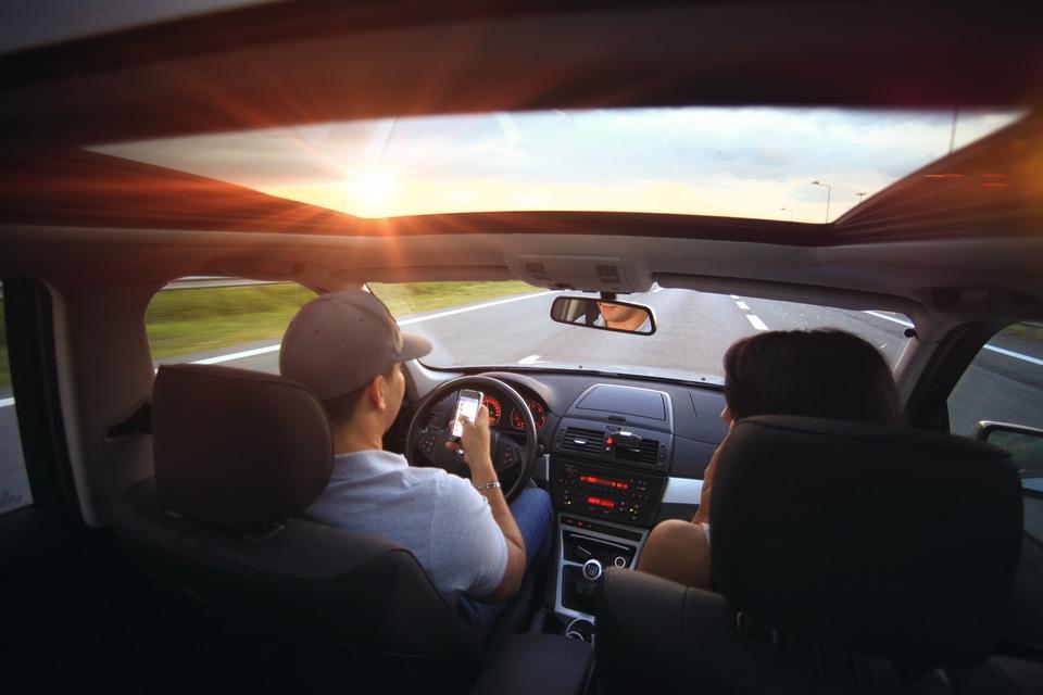 Une voiture blanche permet-elle d'économiser de la climatisation ?