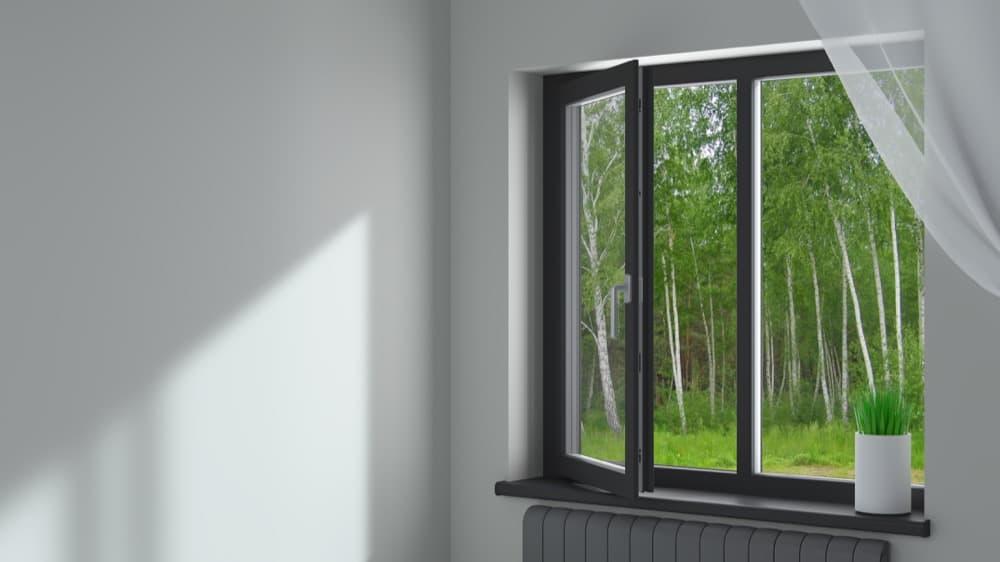 Alternative à la clim : un système anti-bruit pour laisser la fenêtre ouverte