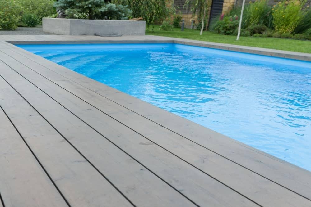 6 solutions originales pour réchauffer une piscine